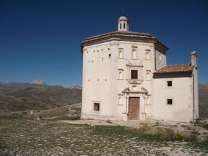 Abruzzo-octogonchurch