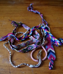 camp-friendshipbracelets
