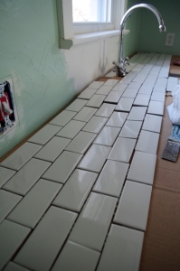 delay-backsplash-layout